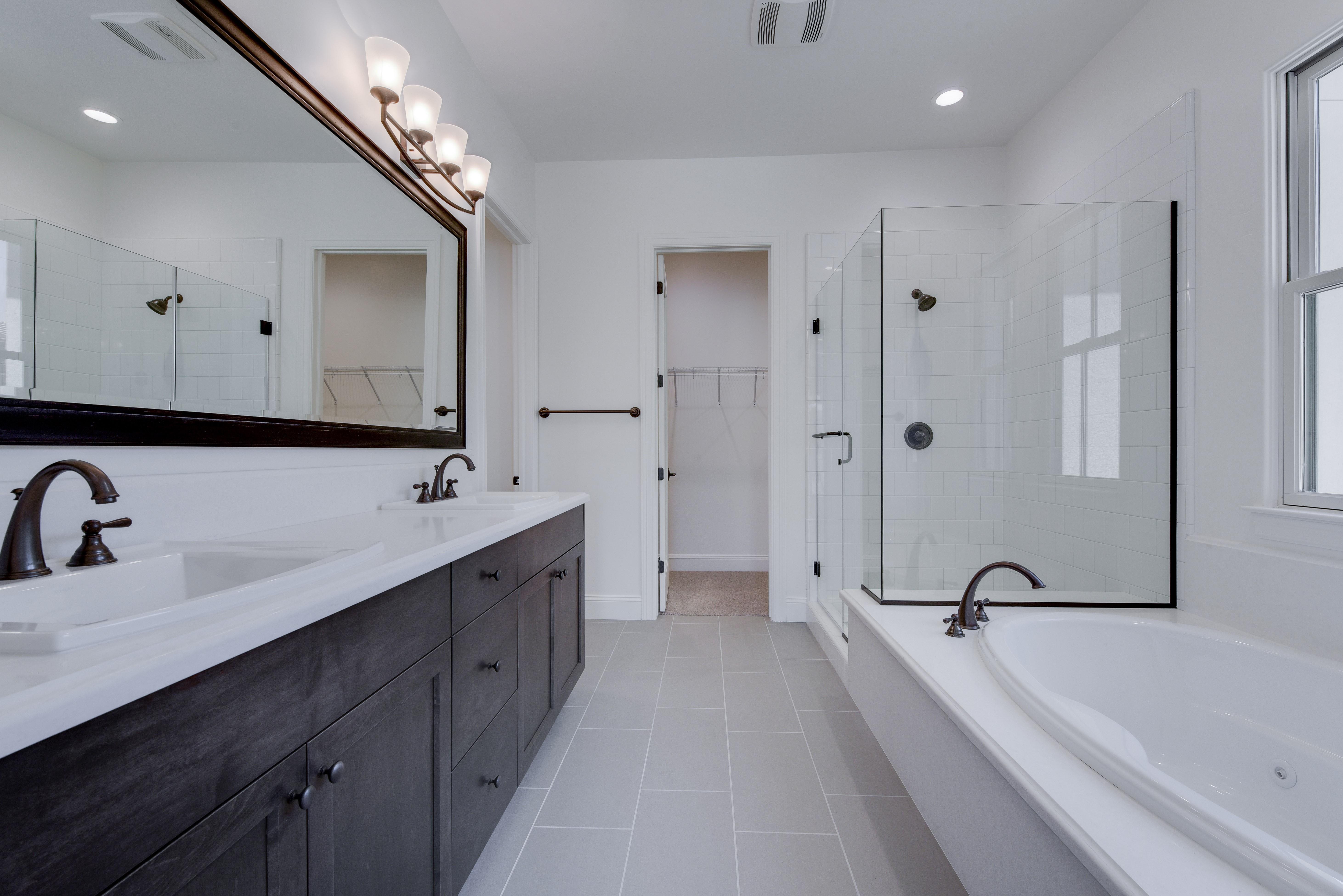 Bathroom tiles   Elite Builder Services