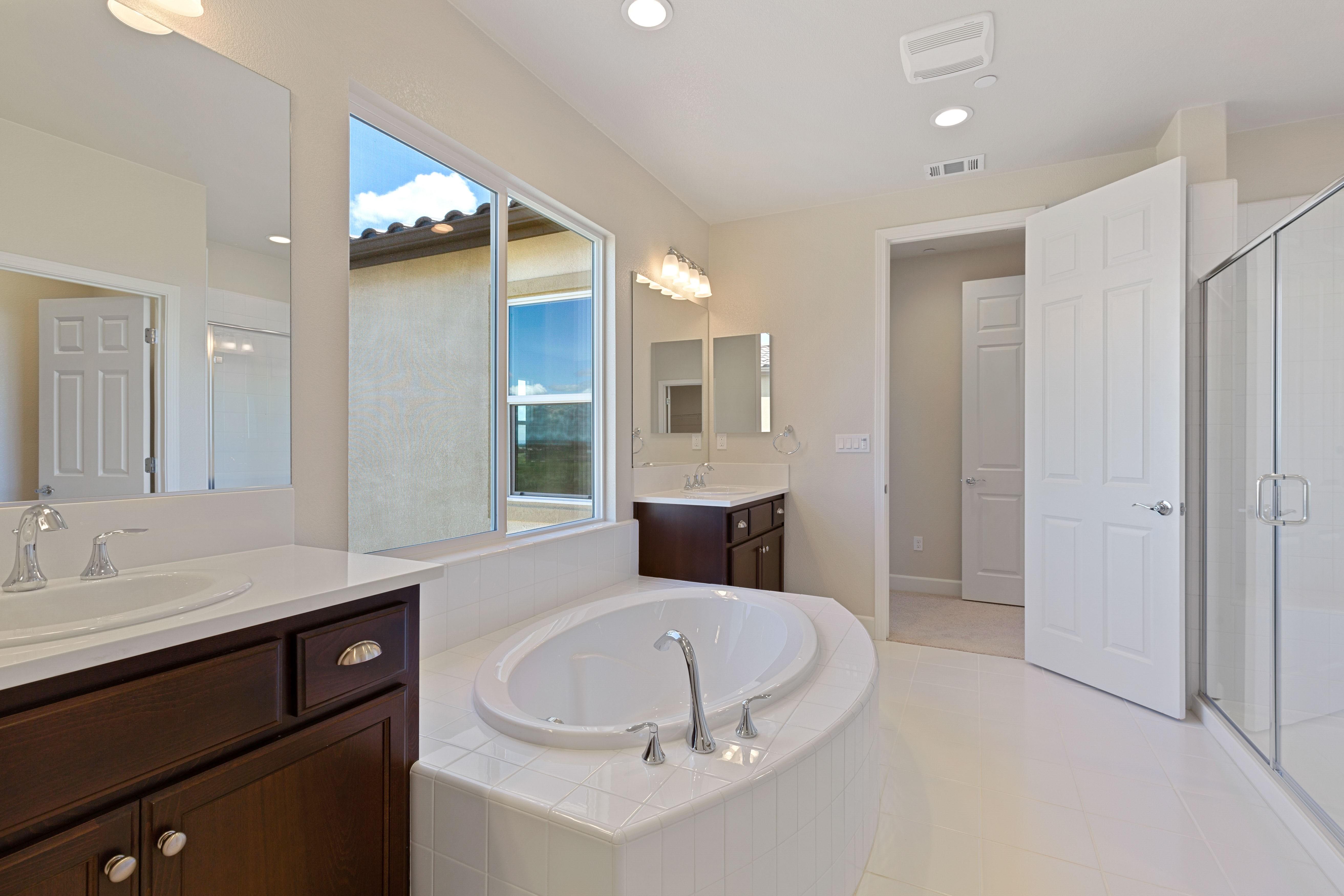 Bathroom interior   Elite Builder Services