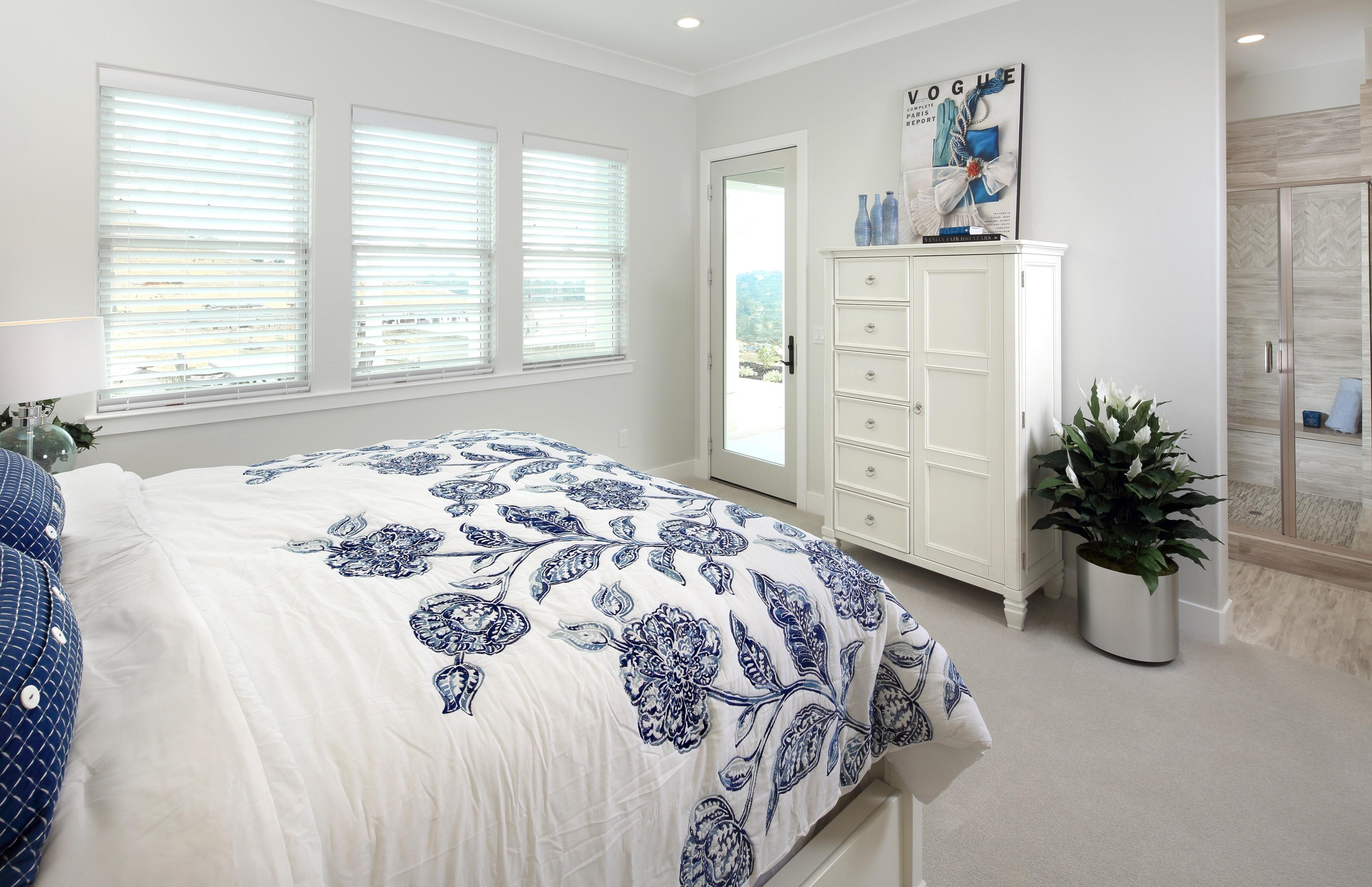 Bedroom flooring and window treatment   Elite Builder Services