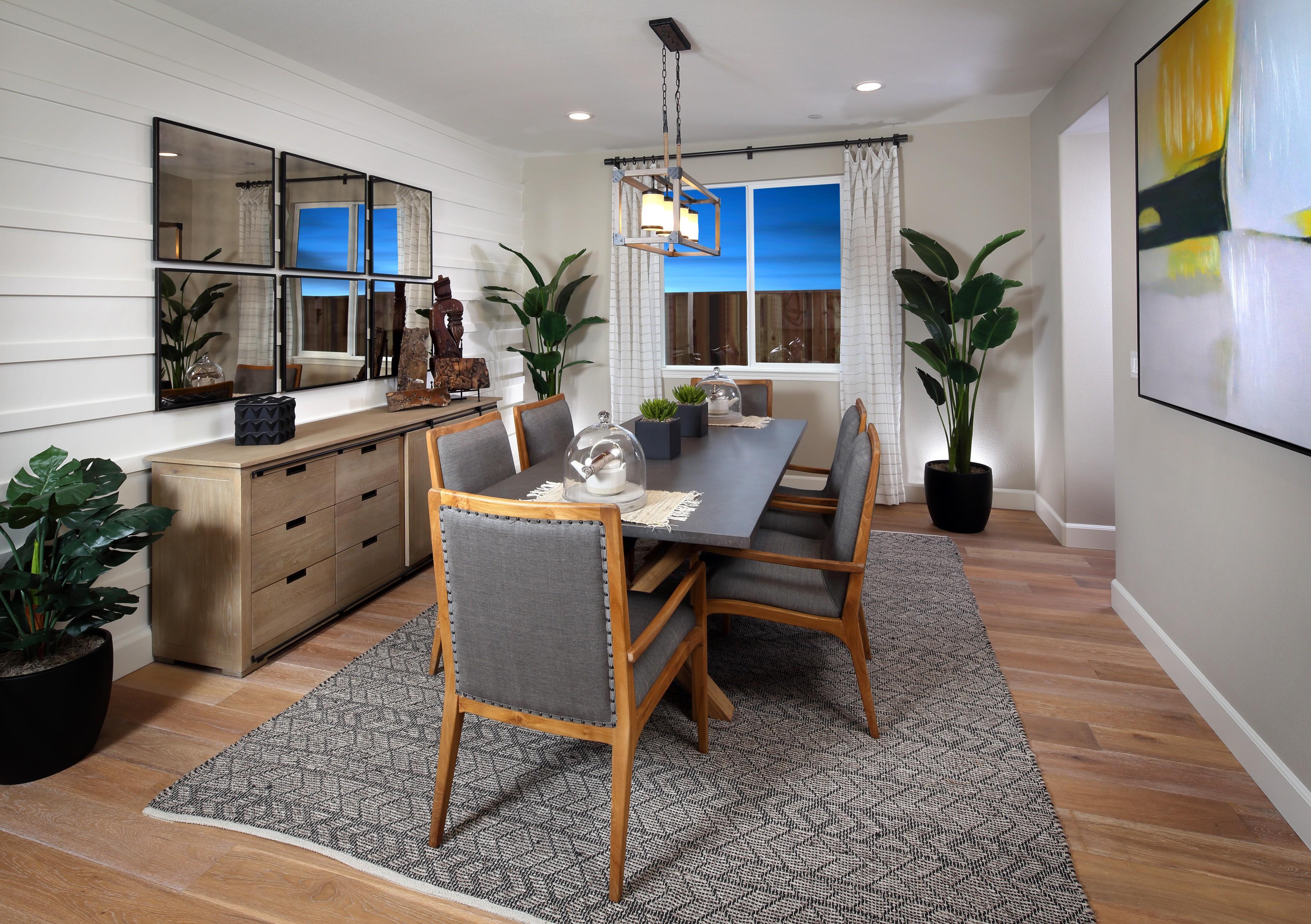 Dining room flooring   Elite Builder Services